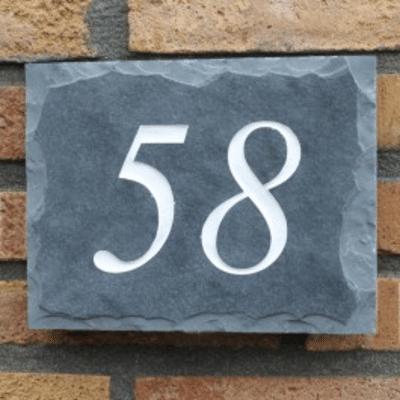 Heeft u een duidelijk huisnummerbord nodig?